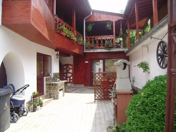 Hotel Pictures: Achevata Kushta Guest House, Lovech