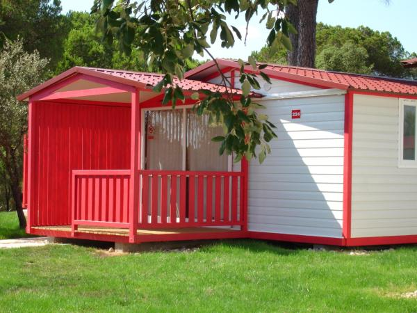 Bungalow (5 Adults)