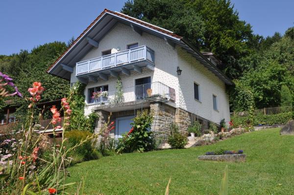Hotel Pictures: Ferienwohnung Regentalblick, Miltach