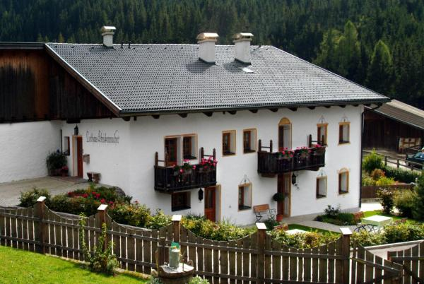 Hotellikuvia: Landhaus Strickenmacher, Sillian