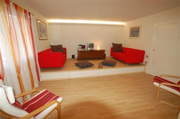 Three-Bedroom Apartment (5 Adults) - 50 rue Georges Clemenceau