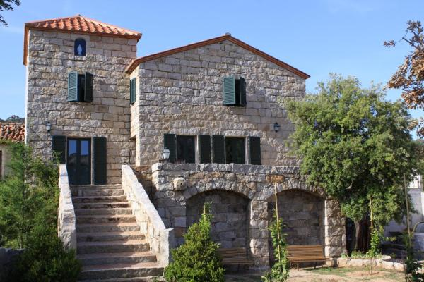 Hotel Pictures: Castellu di Baricci, Sartène