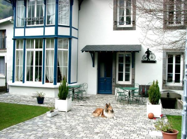 Hotel Pictures: Villa Mirabeau - Meublé Gentiane, Le Mont-Dore