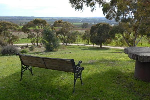 Hotel Pictures: Blickinstal Barossa Valley Retreat, Bethany