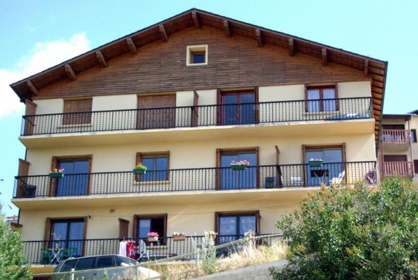 Hotel Pictures: Chalet Les Lupins T2, Font-Romeu