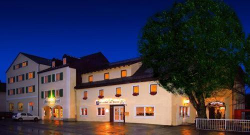 Hotelbilleder: Gasthof Zur Krone, Denkendorf