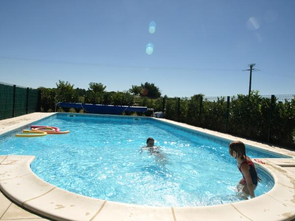 Hotel Pictures: Gites de Brives & Chambres d'Hotes, Brives-sur-Charente
