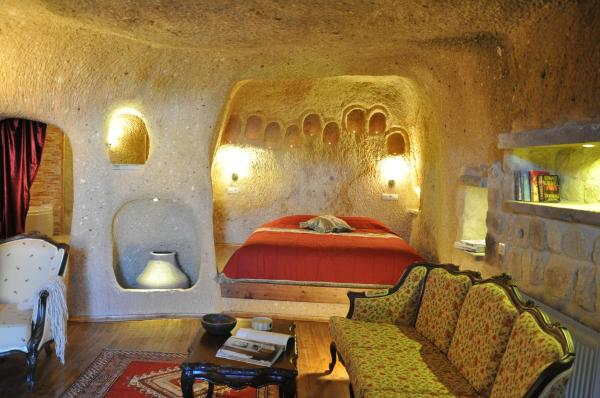 Junior Cave Suite