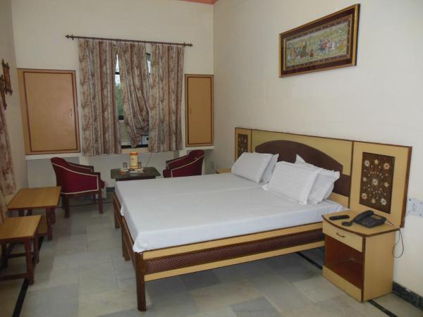 Taj Facing Room