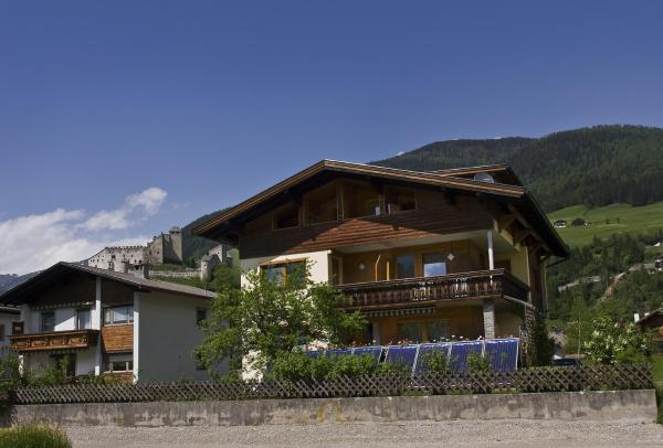 Hotel Pictures: Haus Mitti, Heinfels
