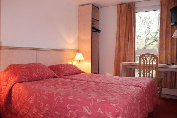 Hotel Pictures: Hotel Le Village, Gif-sur-Yvette