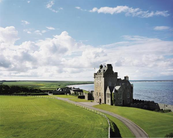 Hotel Pictures: Ackergill Tower Castle, Wick