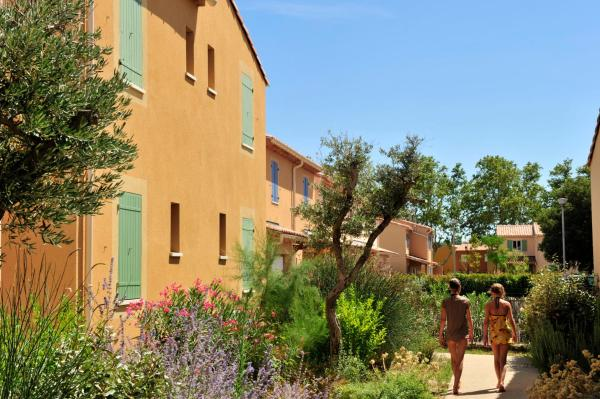 Hotel Pictures: , Mouriès