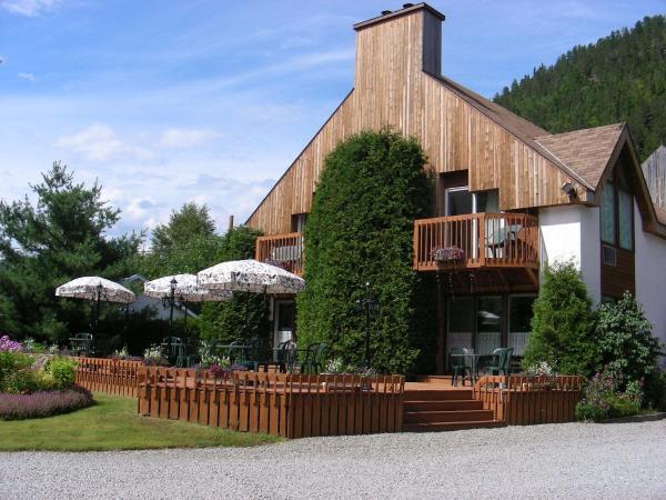Hotel Pictures: Auberge du Jardin, Petit-Saguenay
