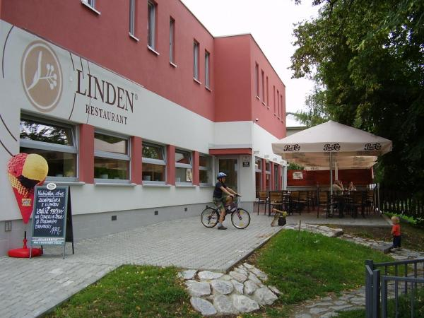 Hotel Pictures: Linden Restaurant and Pension, Brno