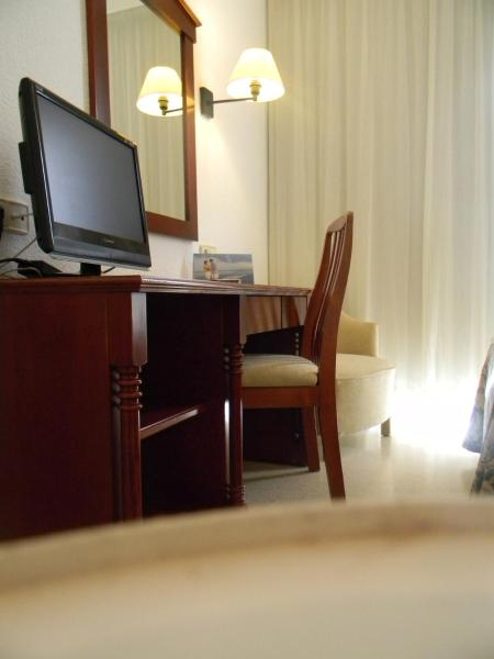 Double Room (3 Adults)