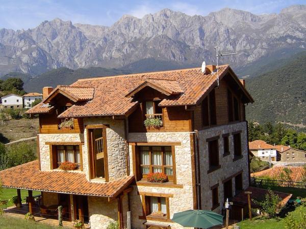Hotel Pictures: Posada El Bosque, Mieses