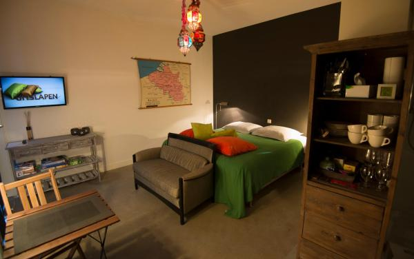 Hotel Pictures: Gastenkamers UitGaanSlapen, Nieuwpoort