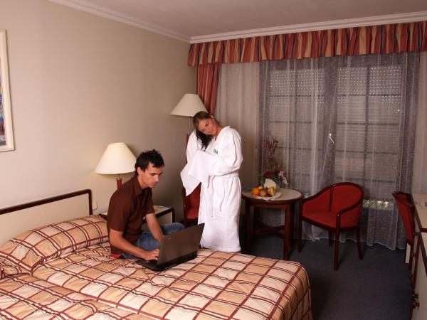 Standard Twin Room - Medical Package