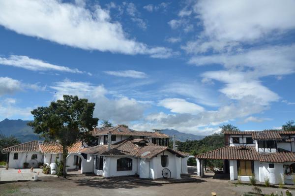 Hotel Pictures: Sierra Alisos Hotel de Campo, Hacienda Tambillo Alto