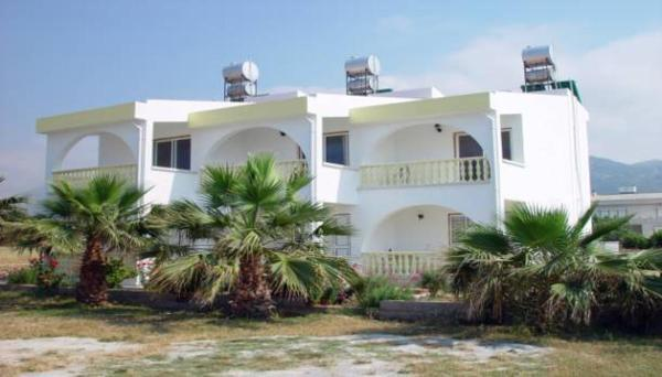 Hotel Pictures: Paradise, Kyrenia