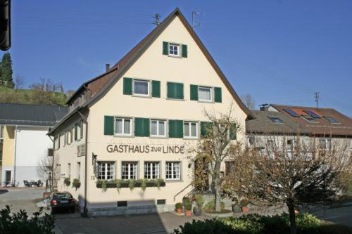 Hotel Pictures: Gasthaus Linde, Baden-Baden