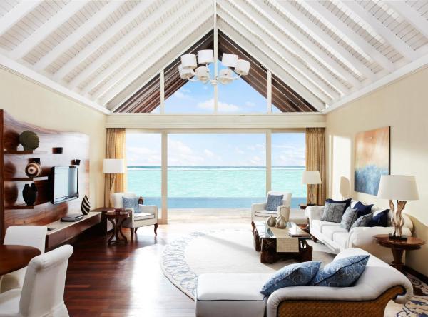 Two Bedroom Rehendi Presidential Suite with Pool
