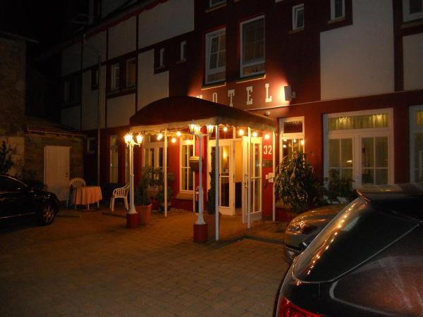 Hotel Pictures: Cross-Country-Hotel Hirsch, Sinsheim