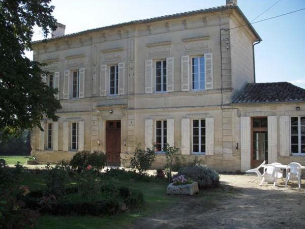 Hotel Pictures: La Maison des Aurélines, Puisseguin