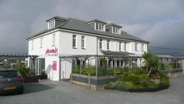 Hotel Pictures: Elements, Bude