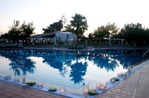 Fotos do Hotel: Tropikal Resort, Durrës