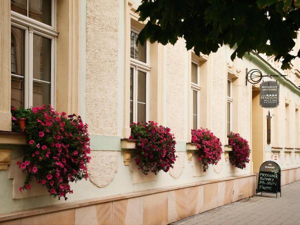 Hotel Pictures: Penzion Malý Val, Kroměříž