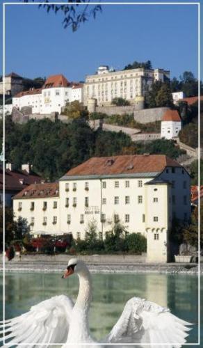 Hotel Pictures: Schloß Ort, Passau