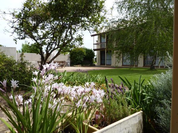 Фотографии отеля: Coonawarra Motor Lodge, Penola