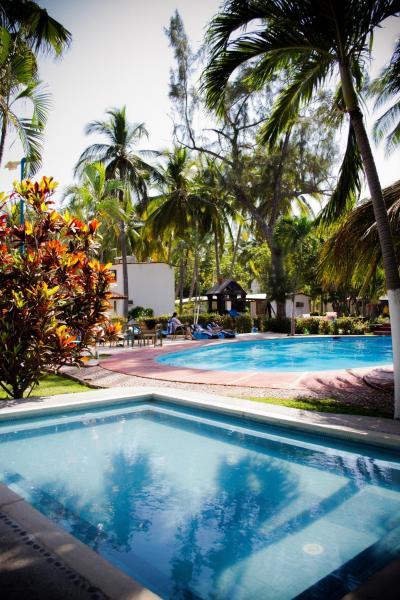 Villa with pool in Diamante