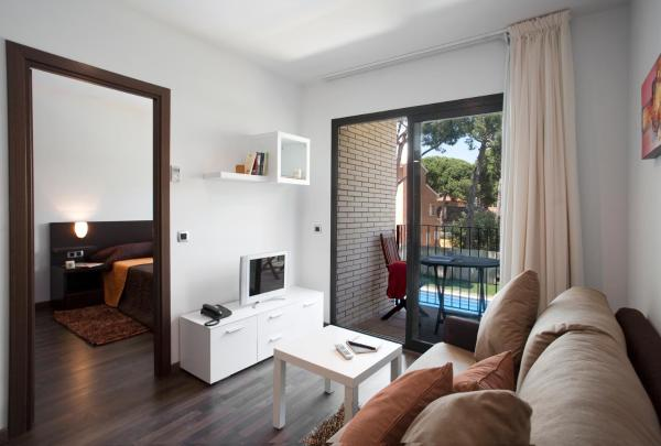 One-Bedroom Apartment (3-4 Adults)