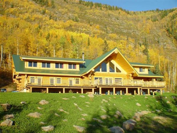 Hotel Pictures: Williston Lake Resort, Hudson Hope