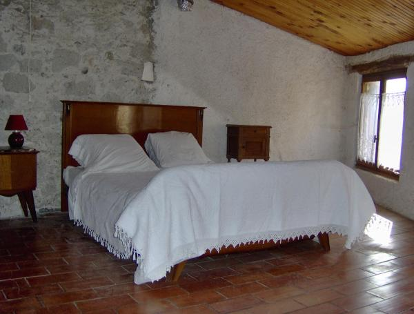 Hotel Pictures: Cosy Cottage, Malviès