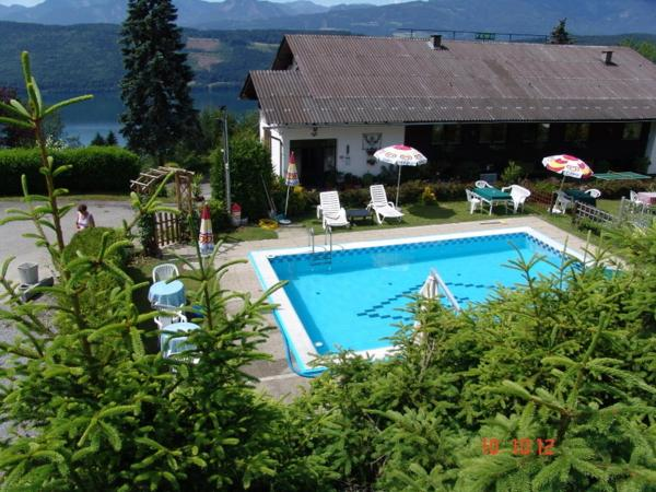 Hotel Pictures: Hubertushof, Millstatt