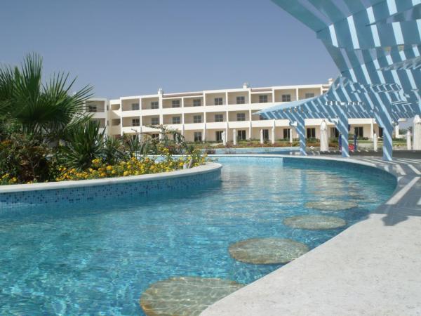 Hotel Pictures: Royal Brayka Beach Resort, Abu Dabab