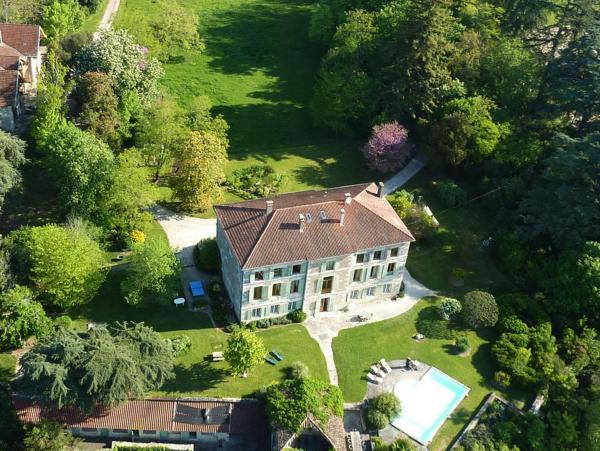 Hotel Pictures: Maison d'Hôtes Domaine de Bernou, La Croix-Blanche