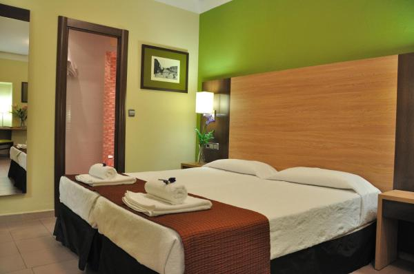 Hotel Pictures: Hostal Ballesta, Madrid