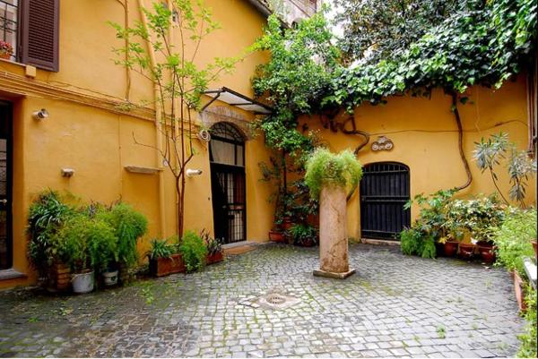 Petrarca One-Bedroom Apartment