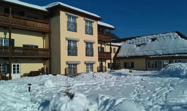 Hotelbilleder: Ferienwohnungen Hotel Garni Dörflerwirt, Aflenz Kurort