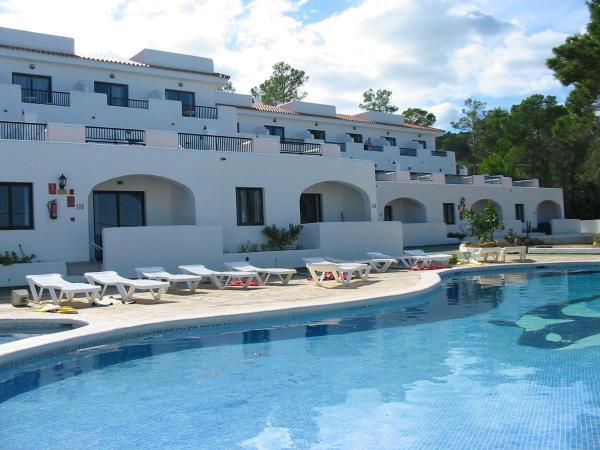 Hotel Pictures: Apartamentos Australasia Playa, Portinatx
