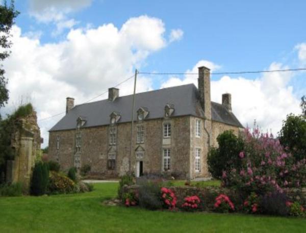 Hotel Pictures: Chambre d'hôtes La Cour, Rauville-la-Place
