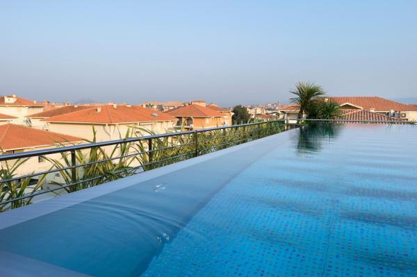 Hotel Pictures: CGH Résidences & Spas Villa Romana, Fréjus