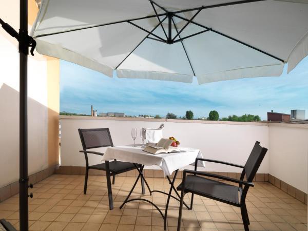 Foto Hotel: Hotel Al Pino Verde, Camposampiero
