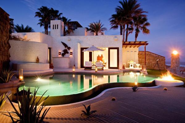 Deluxe One-Bedroom Villa with Ocean Front