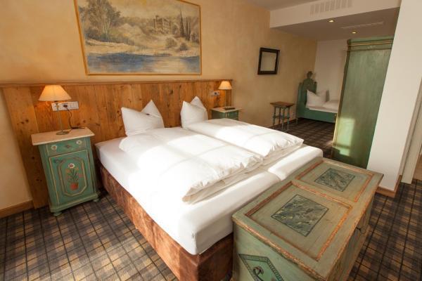 Hotel Pictures: DIE POST Landgasthof Aufkirchen, Berg am Starnberger See